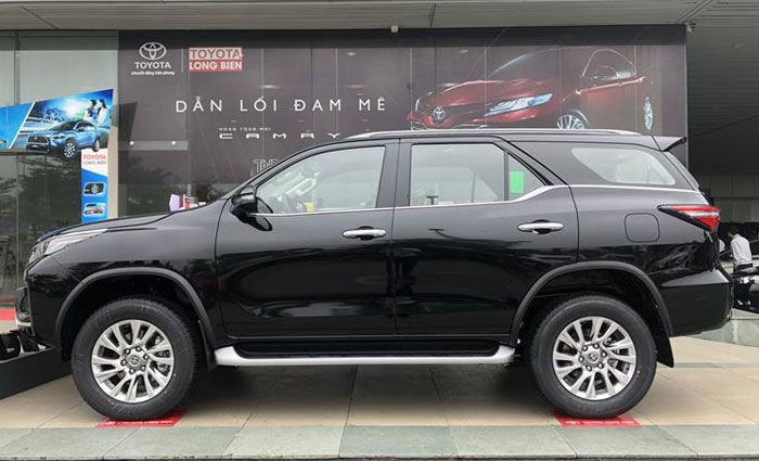 toyota fortuner 2.8at 4x4 anh 1