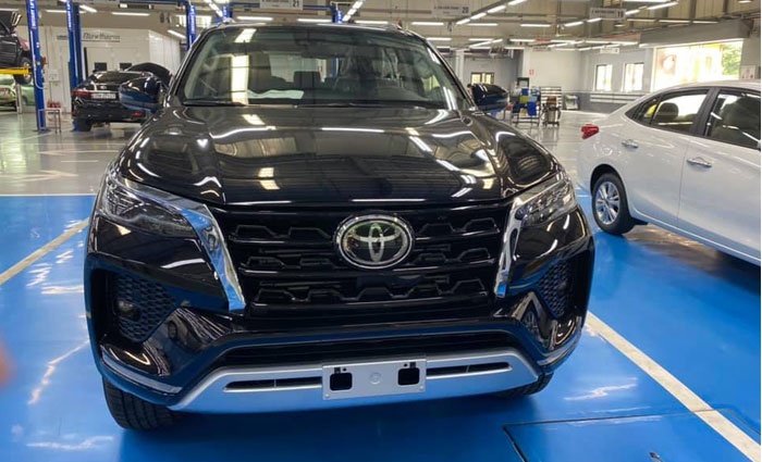 toyota fortuner 2.8at 4x4 anh 2