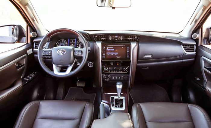 toyota fortuner 2.8at 4x4 anh 8